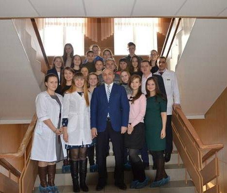 В Азнакаево провели фестиваль «Ангелы в белых халатах» для выпускников школ