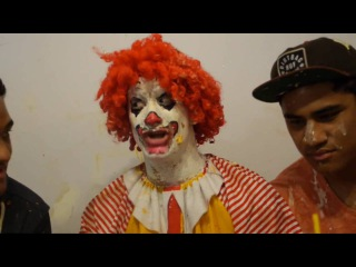 Ronald McDonald Tastes Burger King | Рональд МакДональд Пробует Еду Бургер Кинга [Русская озвучка]