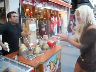 Офигеть что делает Турк С Блондинкой!!