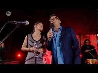 zangeres Eva de Roovere zingt 2011 in Villa Marcel Vanthilt 'keizer van de nacht'