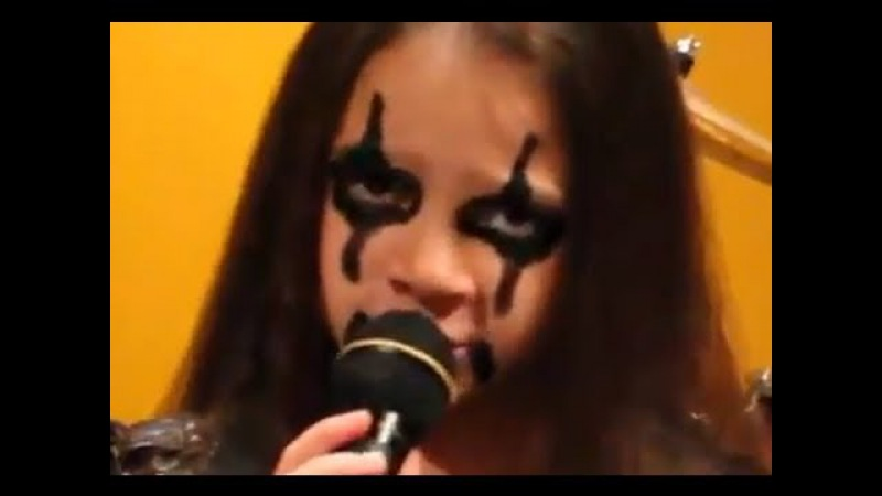 10 year old ROCK singer Sara Motion Device - ALICE COOPER - School's Out
