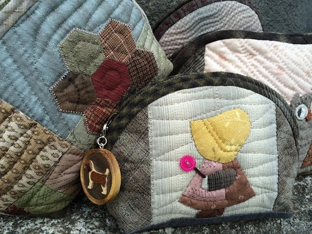 パッチワーク Patchwork Quilt Vol.12Demi-Lune Half-moon Purse 「ハーフムーンのポーチ」Patchwork Purse