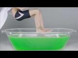 Что будет , если прыгнуть в полную ванную с желе ?