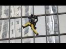 Человек паук Ален Робер покорил небоскреб в честь Дня облысения новости