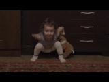 Дети супер зажигательно танцуют жми и смотри)