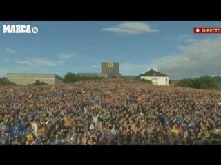 Iceland Team Clap Celebration with 15.000 fans in Reykjavik - UEFA Euro 2016 (FootballTV)
