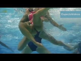 девушки спортсменки, что происходит под водой !!!-не секс , не порно ,не эротика,засветы -