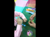 Мастер класс по изготовлению яркой резинки!!!Митя изготовил резинку для мамы!