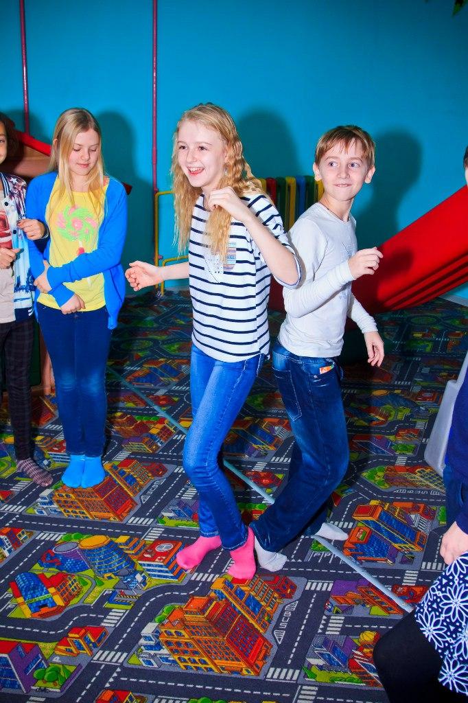 устроить праздник подросткам в запорожье семейный центр Апельсин