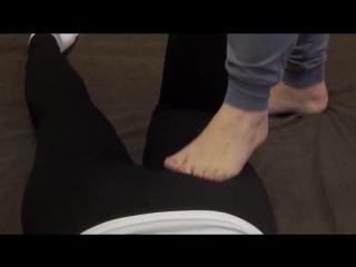 Тайский массаж тела ногами