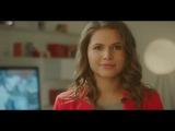 Актриса из клипа про «лабутены» научила имитировать радость от подарков