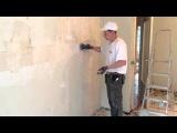Обдирка стен от покраски с помощью игольчатого валика