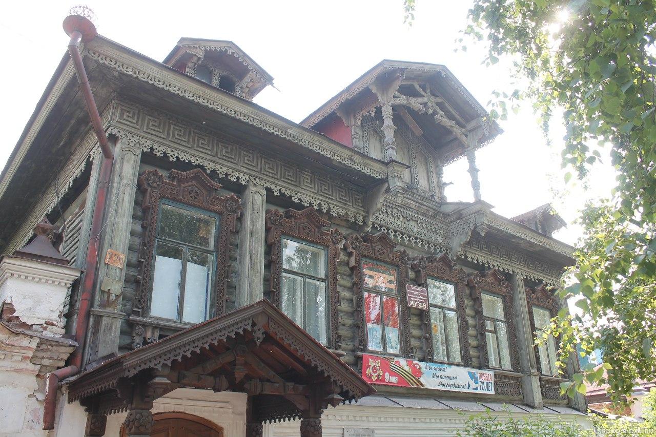 Город Катайск. Дом купца Петрова, сейчас краеведческий музей