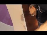 Секреты наклейки обоев возле натяжного потолка.Оформление примыкания к натяжному потолку