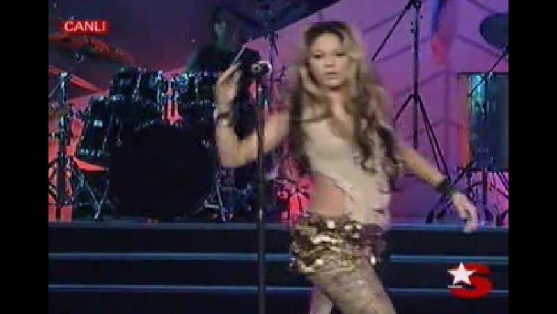 Shakira - Ojos Asi - Live at National Beauty Contest Turkey - 2002