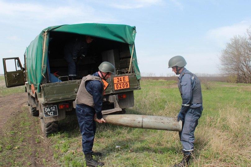 Саперы продолжают находить взрывоопасные предметы в Славяносербском районе (ФОТО)