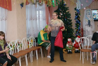 Баскетболисты СКБЛ в детском доме №105 (08.01.16)