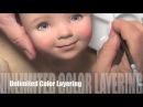 Дианна Эффнер расписывает лицо куклы