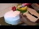 украшаем торт кремом Роза на кукурузной палочке