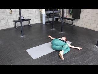 Упражнение 2 - Cкручивания (Two Knee Twist)