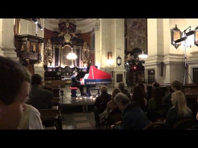 Viola organista. Sławomir Zubrzycki performs Abel pieces for solo viol.