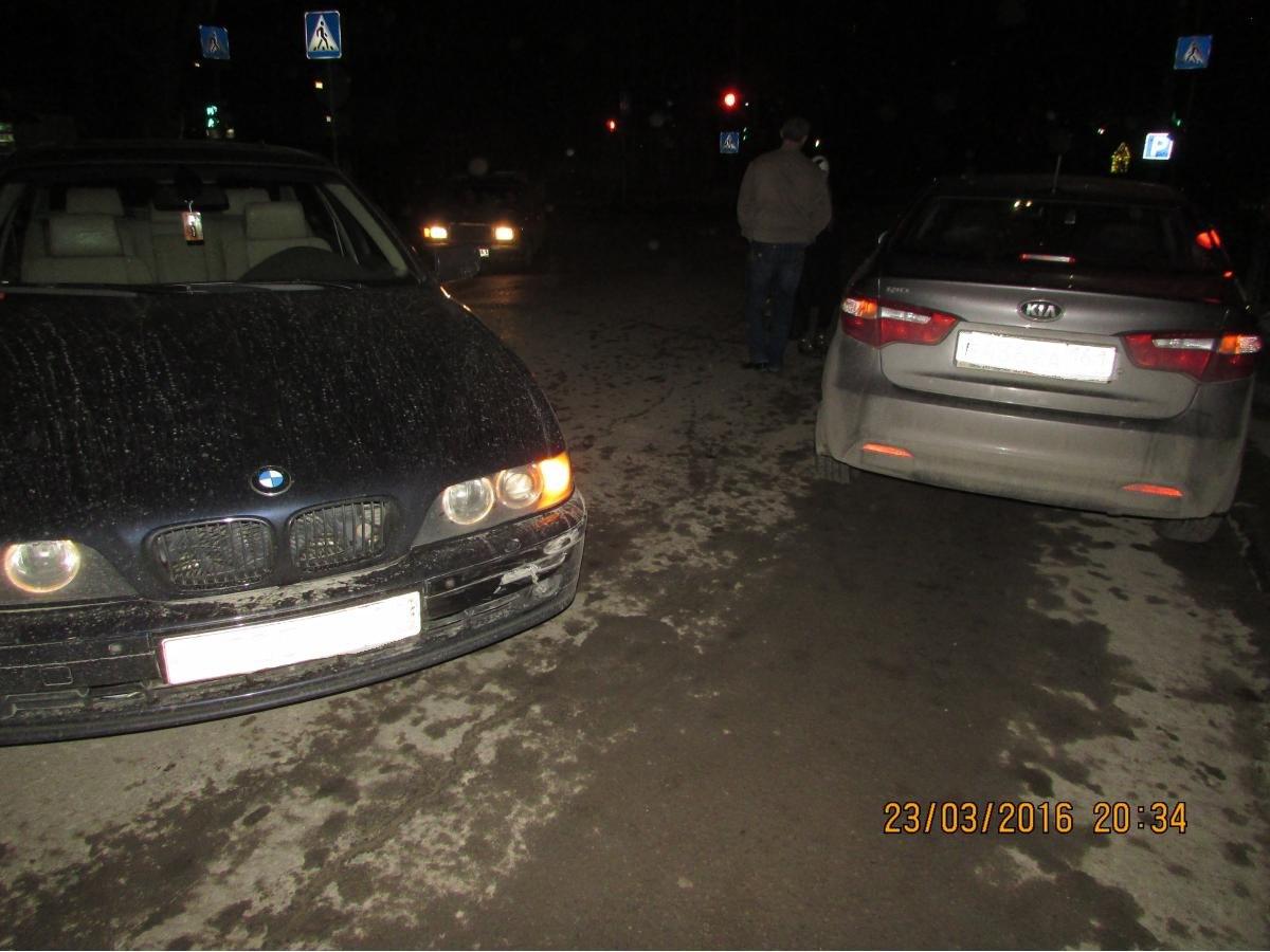 В Таганроге столкнулись BMW-525 и Kia Rio