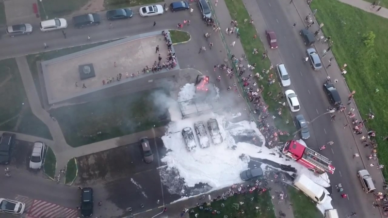 Пожар Южное Бутово Горят машины 31 05 16 1