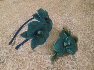 Ободок и заколка с орхидеями. Цветы из ткани своими руками мастер класс.