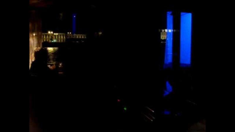 Водная прогулка по ночному Питеру. Развод мостов.