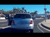 Когда даже машина считает, что водитель не прав (Vine Video) [480p]