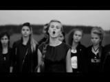 девочка хорошо поет песню Виктора Цоя Кукушка