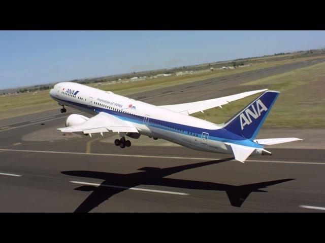 Вертикальный взлёт пассажирского самолёта захватывающее видео BOEING 787-9