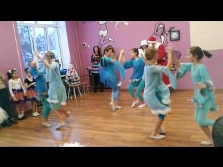 Танец Кабы не было зимы,дети 11-13 лет.