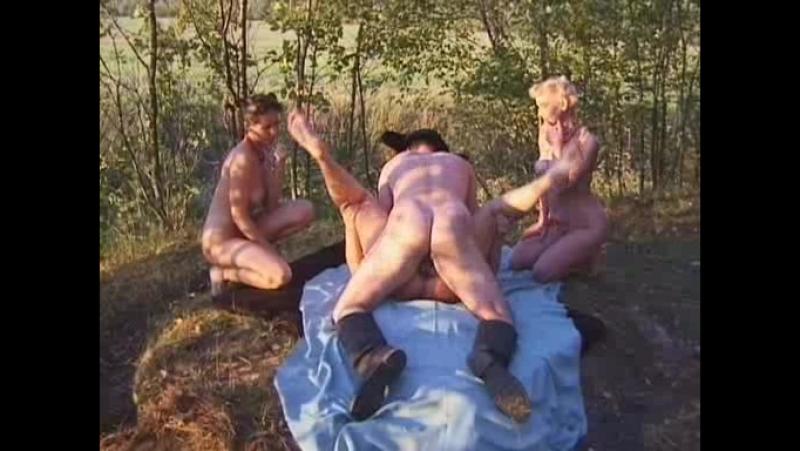 kanikuli-v-derevne-onlayn-seks