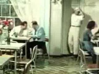 Советский комедийный фильм Королева бензоколонки. Старое кино.