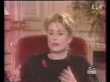 Mademoiselle Deneuve parle de Monsieur Saint Laurent.wmv