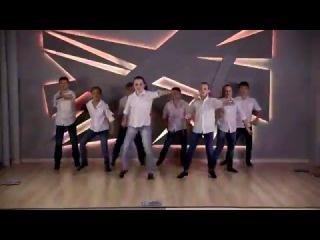 Танцевальный коллектив
