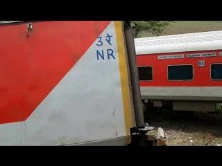 железнодорожная катастрофа! Я видел сотни аварий на железнодорожном транспорте, это было очень плохо.