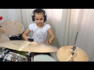 Eduarda Henklein (5 anos) cover Deep Purple - Black Night