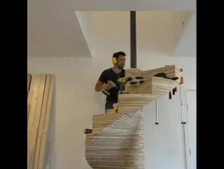 Необычная винтовая лестница