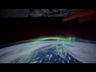 Вид ночью с космоса на планету Земля - красота