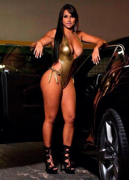 девушка с табличкой, ring girls, Syllvia Andrade