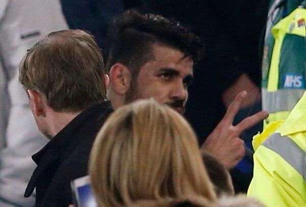 ОФИЦИАЛЬНО: Футбольная Ассоциация предъявила обвинения в неподобающем поведении нападающему «Челси» Диего Косте.