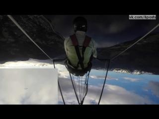 Крушение дельтаплана во время акробатического шоу / Jon Gjerde -hang glider crashes during acrobatic paragliding show in Norway