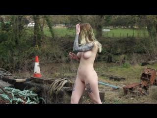 Zoe walking outdoors erotiv [girls bdsm nude body hot good very sexy ххх]