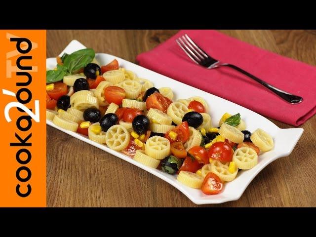 Pasta fredda con pomodorini mais e olive Ricetta estiva