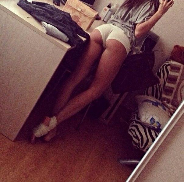 девушка с длиннейшими ножками