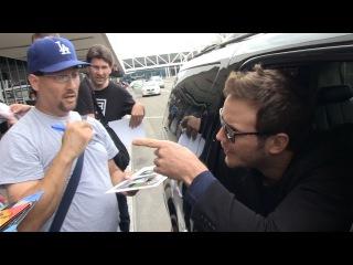 Chris Pratt -- Don't Cuss At Me! Flips on Autograph Hounds