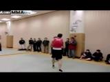 Инструктор Вин Чун против боксера.
