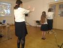 танец макарена.
